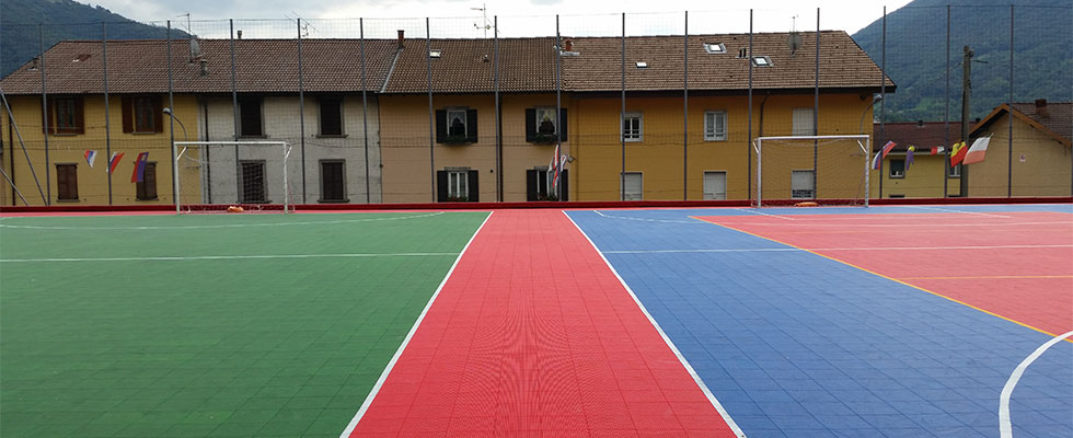 Gripper for two courts in Bergamo